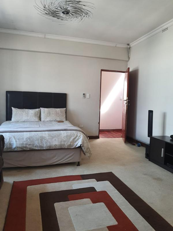Property For Rent in Emmarentia, Johannesburg 18