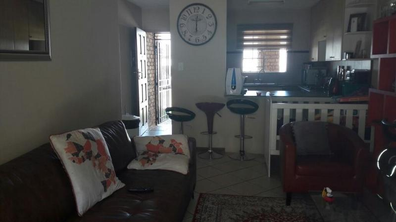 Townhouse For Rent in Monavoni, Centurion
