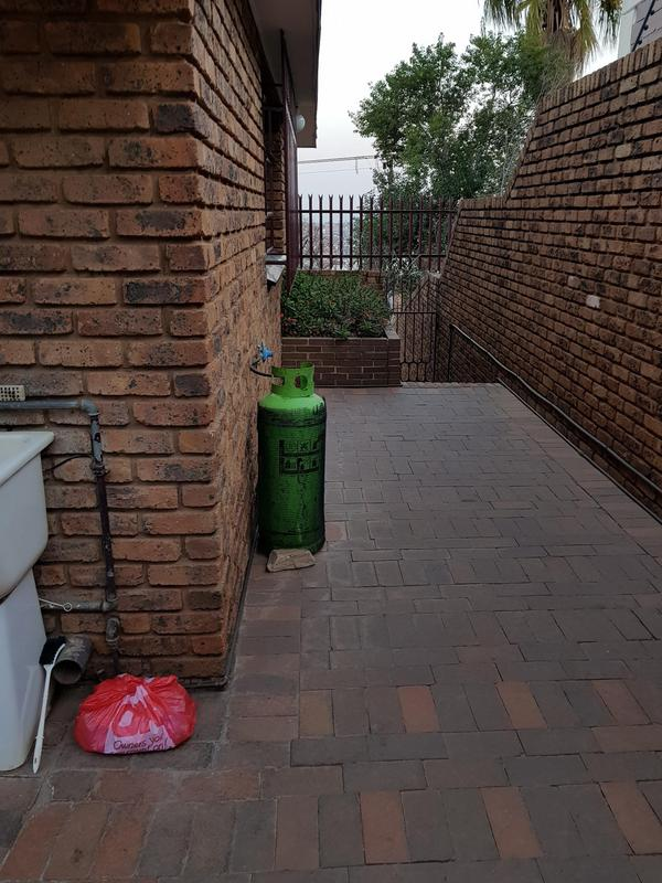 Property For Sale in Laudium, Centurion 25