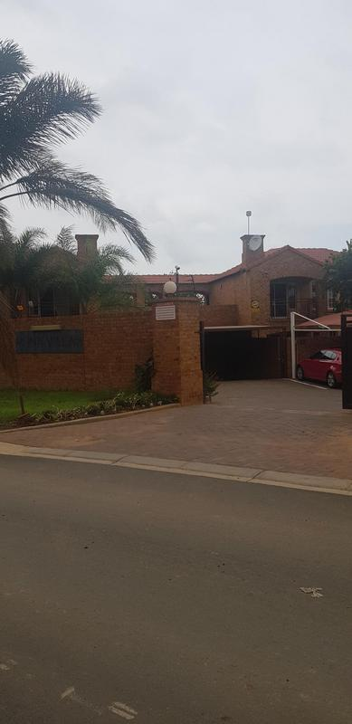 Property For Sale in Monavoni, Centurion 1