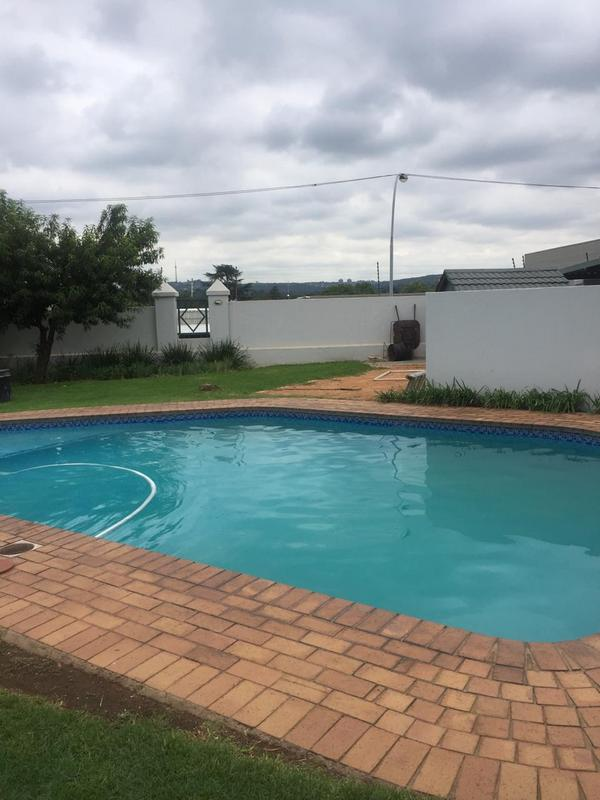 Property For Rent in Victory Park, Johannesburg 17