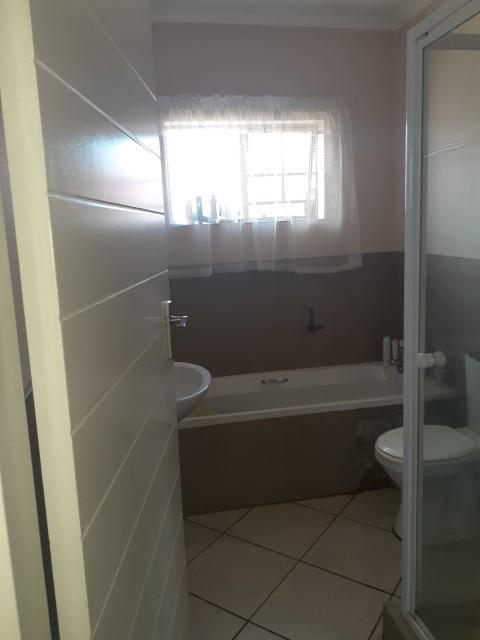 Property For Sale in Monavoni, Centurion 11