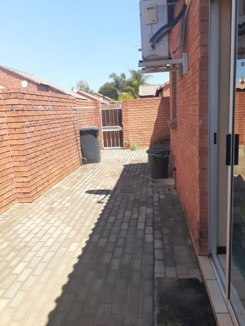 Property For Sale in Monavoni, Centurion 16