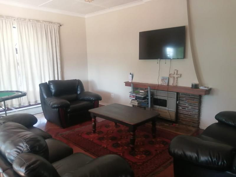 Property For Sale in Roosevelt Park, Johannesburg 5