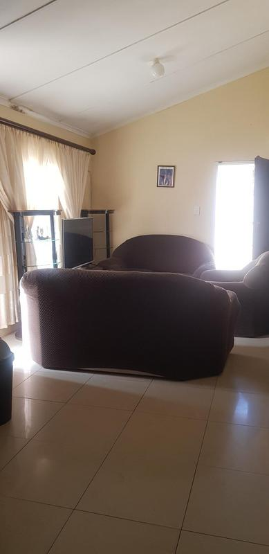 Property For Rent in Newlands West, Newlands 3