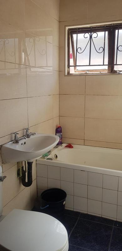 Property For Rent in Newlands West, Newlands 5