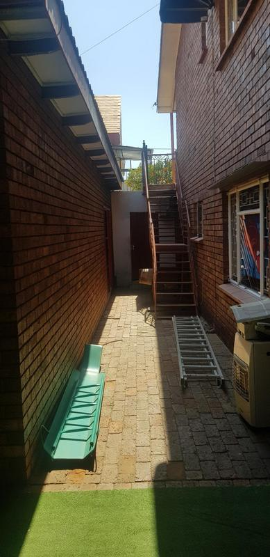 Property For Sale in Laudium, Centurion 18