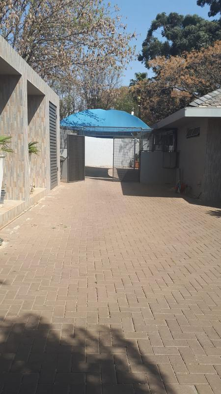 Property For Rent in Emmarentia, Johannesburg 21
