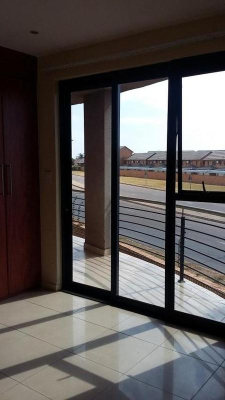 Property For Rent in Rooihuiskraal North, Centurion 10