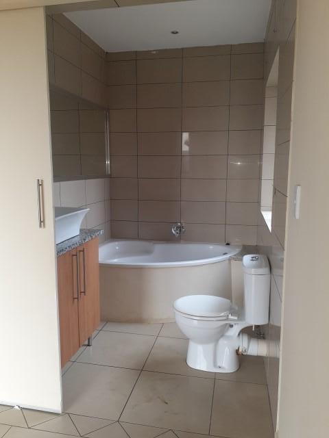 Property For Rent in Rooihuiskraal North, Centurion 14