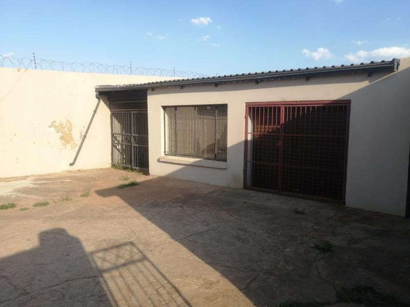 Property For Sale in Laudium, Centurion 8