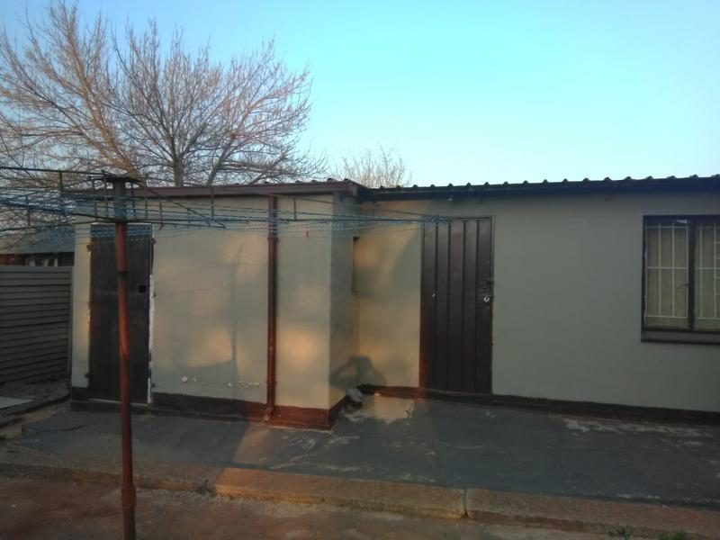 Property For Rent in Andeon, Pretoria 4