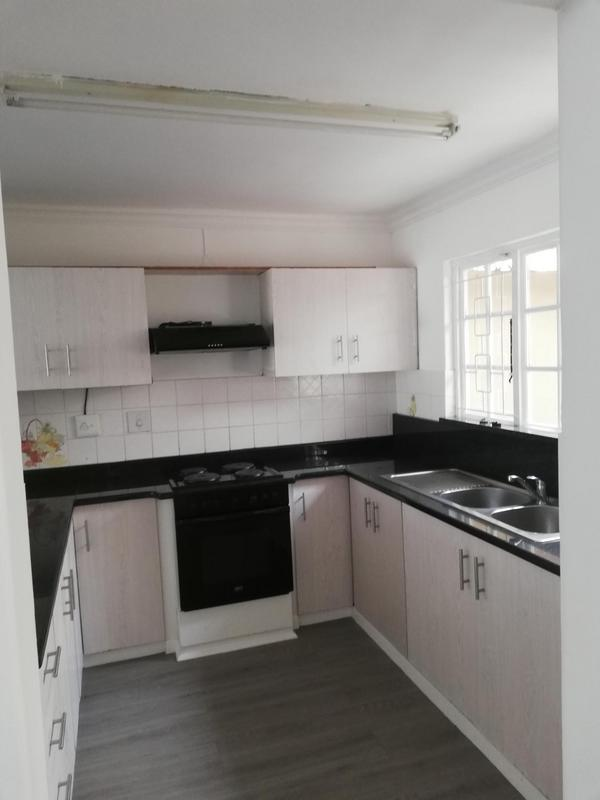 Apartment / Flat For Rent in Malvern, Queensburgh