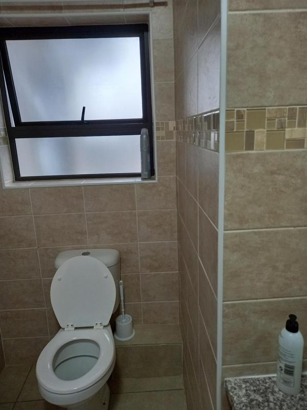 Property For Rent in Victory Park, Johannesburg 9