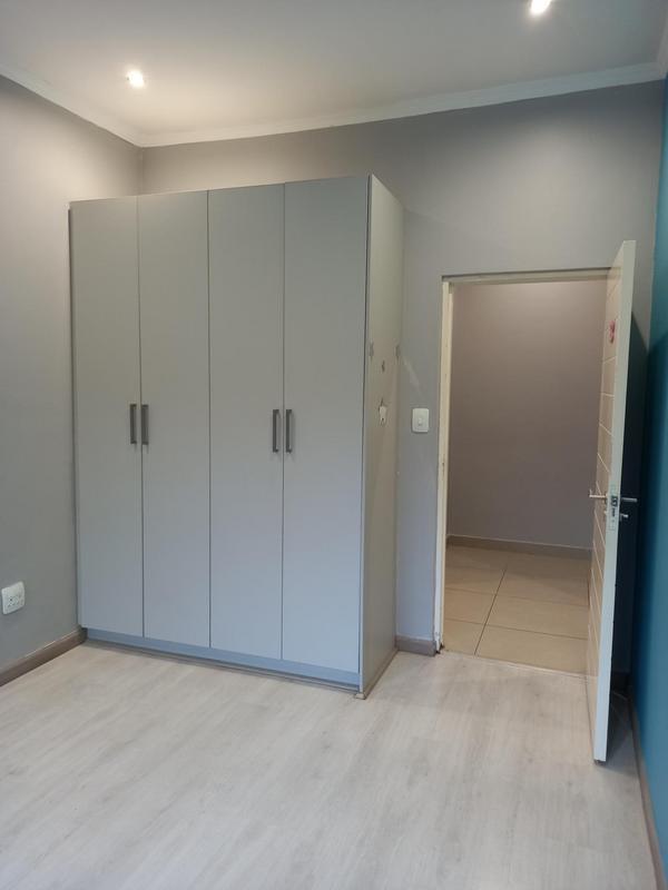 Property For Rent in Greenside, Johannesburg 15