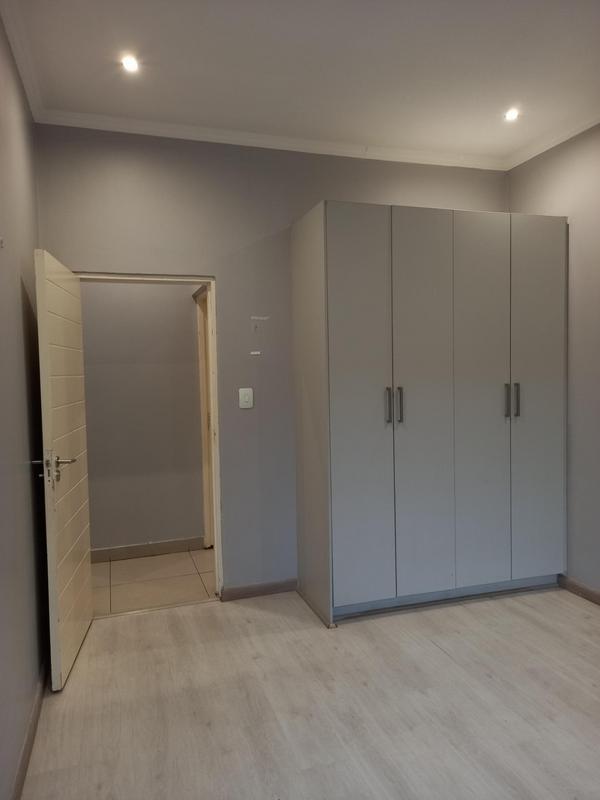 Property For Rent in Greenside, Johannesburg 18