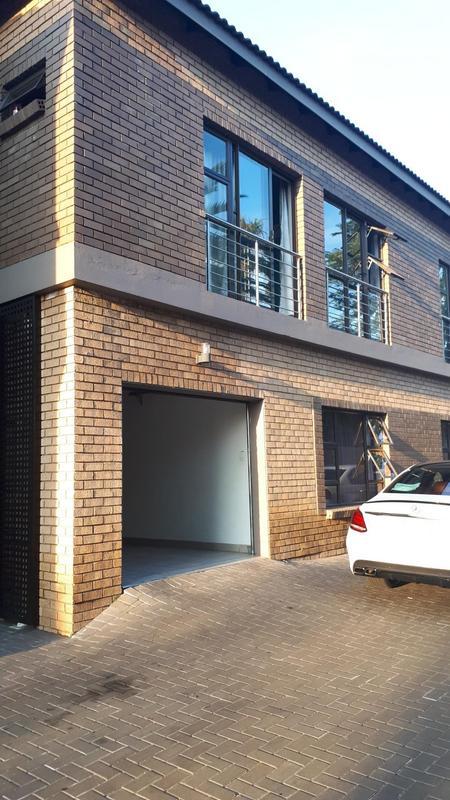 Property For Rent in Greenside, Johannesburg 22