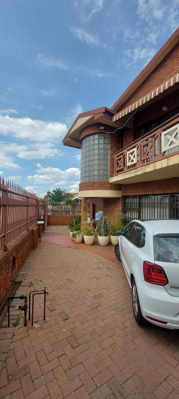 Property For Sale in Laudium, Centurion 1