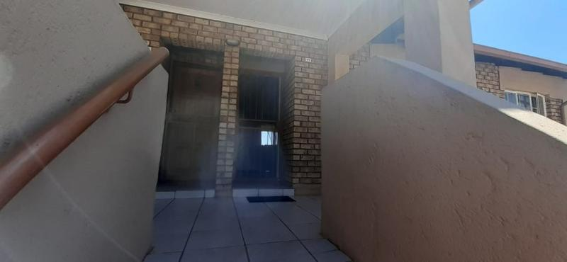 Property For Rent in Rooihuiskraal North, Centurion 12