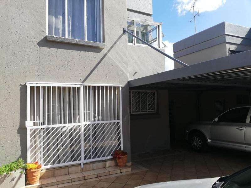 Property For Sale in Erasmia, Centurion 8