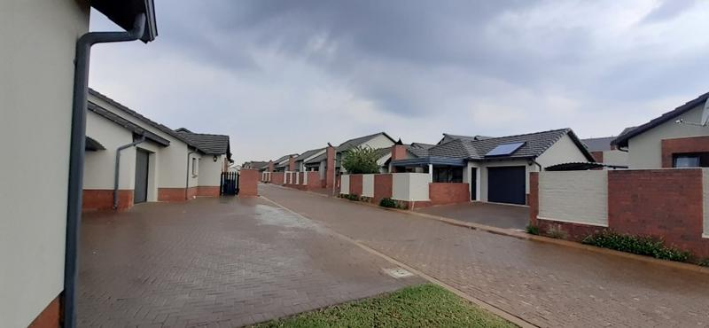 Property For Rent in Amberfield, Centurion 21