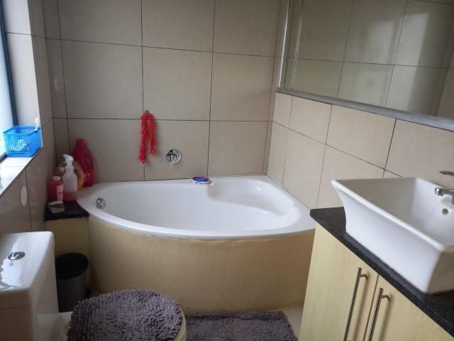 Property For Sale in Rooihuiskraal North, Centurion 9