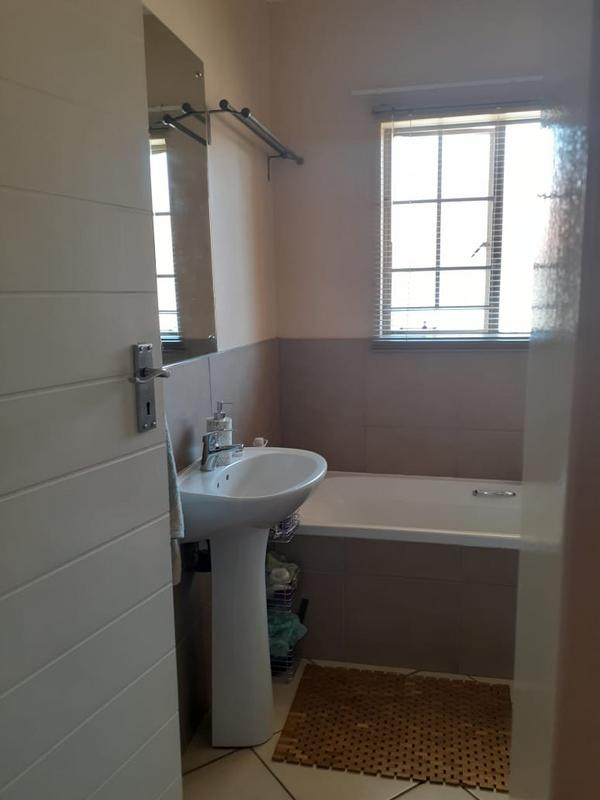Property For Rent in Monavoni, Centurion 12