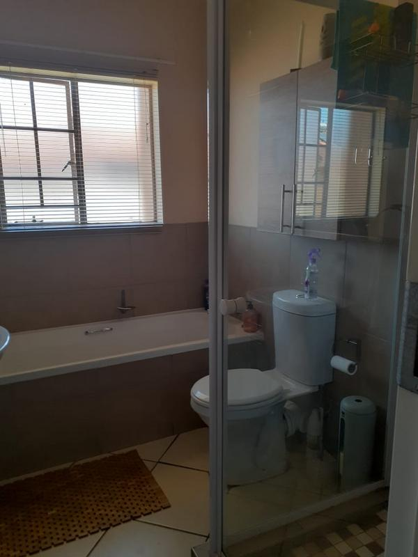 Property For Rent in Monavoni, Centurion 11
