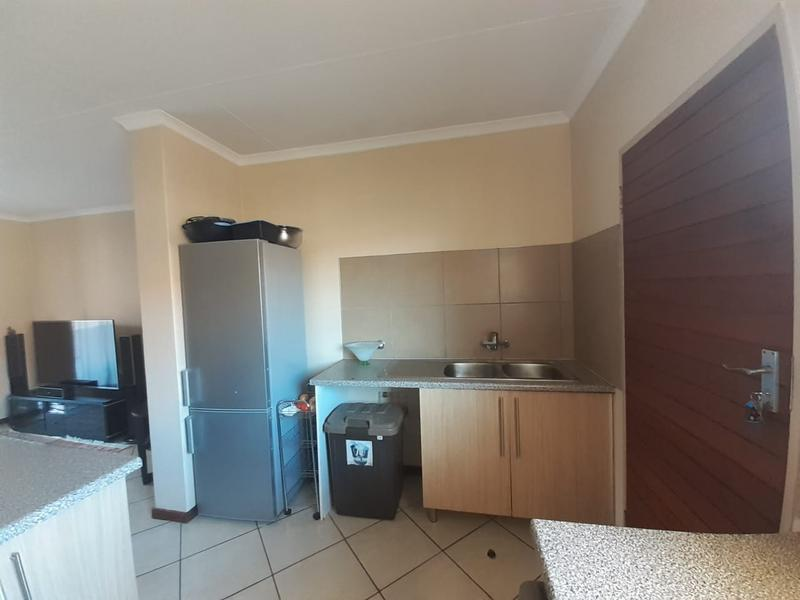 Property For Rent in Monavoni, Centurion 4