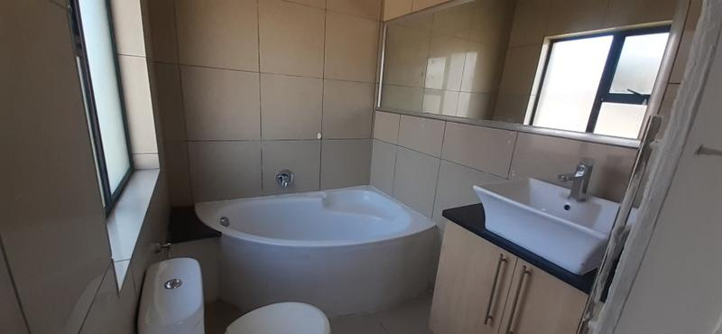 Property For Sale in Rooihuiskraal North, Centurion 16