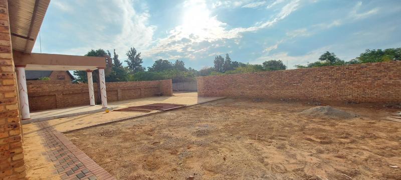 Townhouse For Rent in Raslouw, Centurion