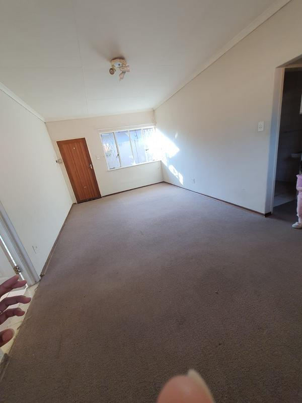 Cottage For Rent in Risidale, Johannesburg
