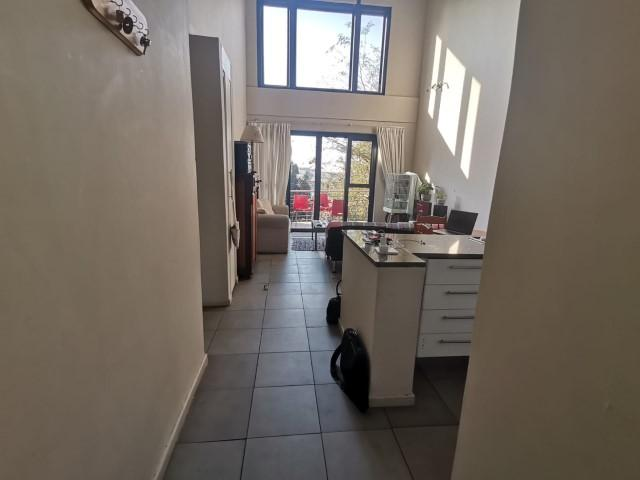Apartment / Flat For Rent in Rooihuiskraal North, Centurion