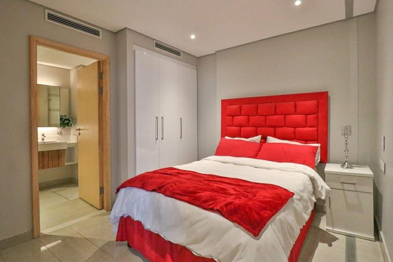 Apartment / Flat For Sale in Umhlanga Rocks, Umhlanga