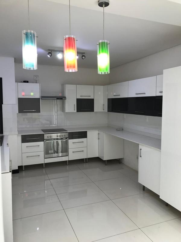Townhouse For Sale in Oaklands, Johannesburg
